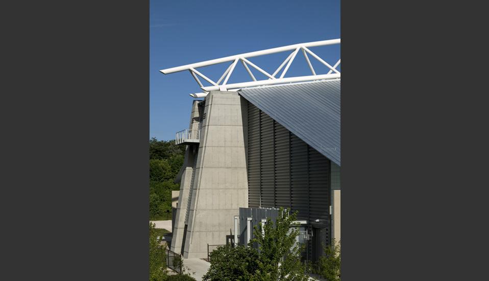 Iowa state university bergstrom indoor training facility - Iowa state university interior design ...