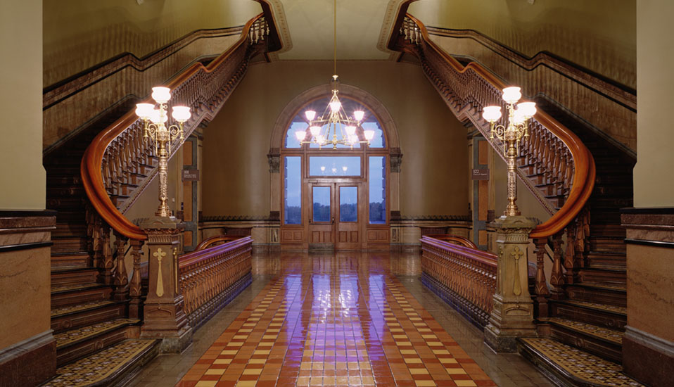Iowa state capitol interior rehabilitation and restoration for Interior design des moines