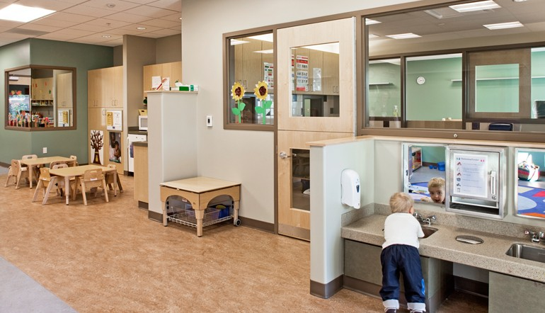 Engaging_interiors_0001_EducareCentralMaine2011_Kessler_interior_91