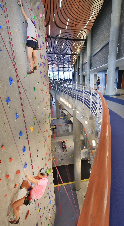 uncg-leonard-ctr-for-wellness_jimsink-climbing-wall-jogging-track-a_2